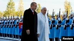 El papa Francisco junto al presidente de Turquía Tayyip Erdogan.