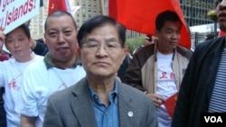 紐約中國和平統一促進會會長花俊雄 (美國之音宋德成拍攝)