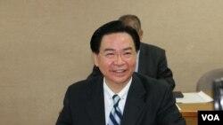 台灣外長吳釗燮在立法院接受質詢(2018年3月22日 美國之音楊明拍攝)