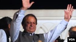 Mantan PM Nawaz Sharif akan kembali memimpin Pakistan untuk ketiga kalinya setelah menang pemilu hari Minggu (12/5).