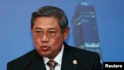 Presiden Susilo Bambang Yudhoyono menyampaikan permintaan maaf atas kebakaran hutan di Pulau Sumatera yang menyebabkan Singapura dan Malaysia diselimuti asap tebal (foto: dok).