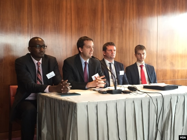 "Control Risks staff (l-r) Patrick Matu, Nick Allan, Daniel Heal, and Paul Gabriel address media during ""RiskMap 2016"" report launch, Feb. 10, 2016 in Nairobi, Kenya. (J. Craig/VOA)"