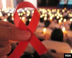 Di Bali, kelompok yang tertular HIV/AIDS 40 persennya dalah remaja umur 20 hingga 29 tahun.
