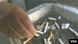 Selon une nouvelle étude,quelques 600 millions d'Indiens et de Chinois fument, un fardeau énorme pour la santé publique