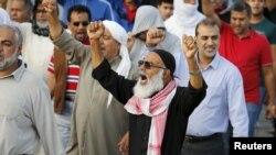 عکس آرشیوی از تظاهرات ضدحکومتی گروهی از شیعیان بحرین در خیابان های منامه - دی ماه ۱۳۹۴