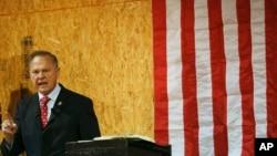 前阿拉巴马州最高法院大法官、阿拉巴马州联邦参议员共和党候选人罗伊·莫尔。(资料照)
