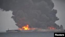 "Dim na iranskom naftnom tankeru ""Sanči"", China Central Television (CCTV) via REUTERS TV."