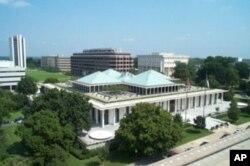 Klark Pleksiko yaqinda Oliy Majlis a'zolarini ona shtati Shimoliy Karolinaga olib bordi.