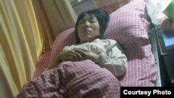 大陆义工9日在湖南省长沙市省妇幼保健院里拍摄到的将被强流孕妇曹如意的照片