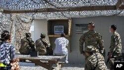 Američki vojnici u Afganistanu gledaju vijesti o smrti Osame bin Ladena