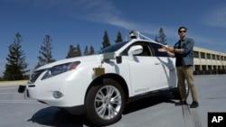 Brian Torcellini, ketua team mobil mandiri Google di kantor Google di Mountain View, California (foto: dok).