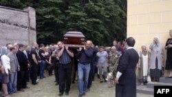 Yuri Budanov dəfn edildi