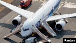 16일 일본 타카마츠 공항에서 비상착륙한 전일본공수 소속 보잉787기.