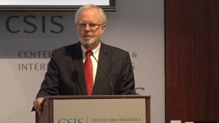美国国防部主管亚太安全事务的助理部长施大伟(David Shear)2015年3月27日在华盛顿战略与国际中心讲话。