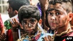 Erez sınır kapısında İsrail'i protesto eylemlerine katılan Gazzeli çocuklar