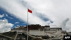 Trung Quốc muốn phát triển và hiện đại hóa vùng Tây Tạng rộng lớn
