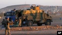 Турецкие военные на границе Турции и Сирии (архивное фото)