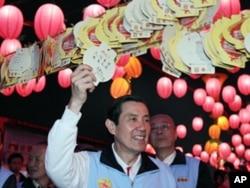 马英九总统观赏花灯