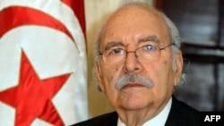 Ông Fouad Mebazaa, Chủ tịch Quốc hội đã tuyên thệ nhậm chức Tổng thống lâm thời của Tunisai hôm 15 tháng 1, 2011