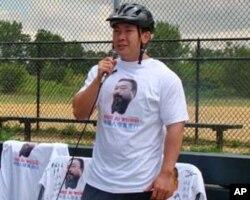 来自北京的杨梦笔仅24岁是三人中最年青的一位