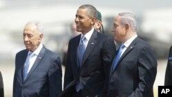 Шимон Перес, Барак Обама и Биньямин Нетаньяху в аэропорту Тель-Авива