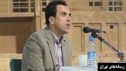 صلاح ادلدین خدیو، فعال مدنی کرد در مهاباد