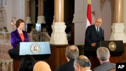 Ketrin Ešton i Mohamed el Baradej na konferenciji za štampu u Kairu, 30. juni, 2013.