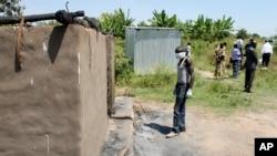 지난해 11월 남수단 예이 마을 외곽에서 대량 학살 희생자들의 시신을 화장하고 있다. 유엔은 남수단 친정부군이 지난해 7월에서 올해 1월 사이 예이 마을에서 민간인 114명을 살해했다고 밝혔다.
