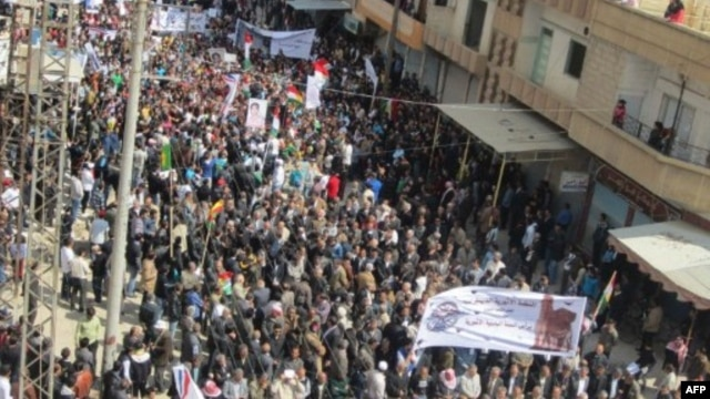 Syrian Kurds rally against Syrian President Assad in city of Qamishli (March 2012 photo)