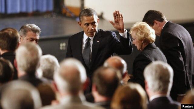 Chegada do presidente Barack Obama a cerimonia de vigilia em honra as vítimas do massacre -  16 Dezembro 16 2012