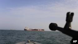 ایران کے پاسداران انقلاب نے چند روز قبل برطانیہ کا تیل بردار جہاز بھی پکڑ لیا تھا۔ (فائل فوٹو)