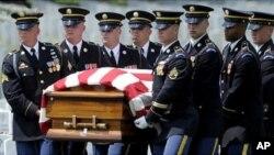 حدود ۲۲۰۰ نظامی امریکایی در افغانستان کشته شده است