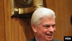 Ketua Komisi Perbankan Senat AS, Chris Dodd