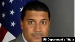 美國副助理國務卿弗蘭克羅斯