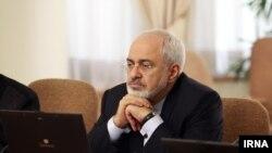 ظریف در واکنش به سخنان کری گفت: اتهام ارسال سلاح توسط ایران به یمن بی اساس است