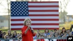 Hillary Clinton hizo campaña en Coalville, Iowa, el martes, 3 de noviembre de 2015.