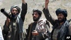 阿富汗赫拉特省的塔利班战士(资料照片)