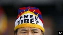 تبت میں بودھ بھکشو کی خود سوزی اور مظاہرے