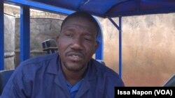 Alidou Bande, l'un des vidangeurs d'Ouagadougou, au Burkina Faso, le 11 septembre 2017. (VOA/Issa Napon)