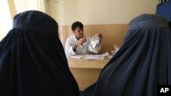 Consultation à l'hôpital de Kaboul en Afghanistan le 17 juillet 2016.