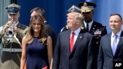 Мелания Трамп, президент США Дональд Трамп и президент Польши Анджей Дуда. Варшава, Польша. 6 июля 2017 г.