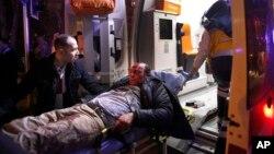 در انفجار موتر بم گذاری شده در انقره کم از کم ۲۸ تن کشته و ۶۱ تن زخمی شدند.
