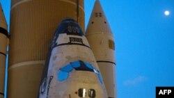 NASA shtyn nisjen e anijes Discovery të hapësirës
