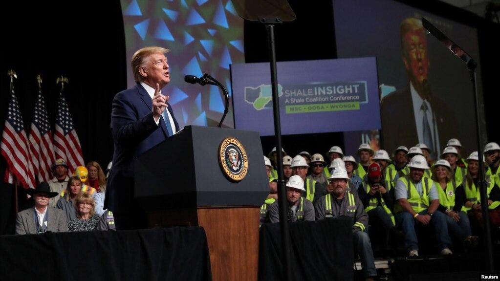 Дональд Трамп выступает с речью на конференции нефтяников Shale Insight 2019 в Питтсбурге, 23 октября 2019 года