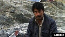 dr الله نذر د بلوچستان لبرېشن فرنټ نومې ډلې مشر دی، او د پاکستان حکومت دغه ډله په کال ۲۰۱۰م کې لاقانونه ګرځولې ده.nazar baloch