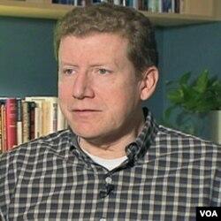 Carroll Doherty, Istraživački centar Pew