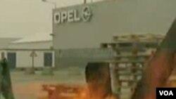 Belgija: GM zatvara tvornicu Opela, radnici protestuju