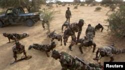 Des soldats nigériens lors de l'exercice militaire Flintlock en 2014 dans Diffa
