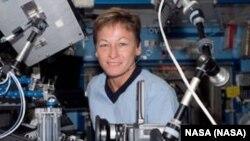 Phi hành gia Mỹ Peggy Whitson trên trạm không gian quốc tế (hình do NASA cung cấp)
