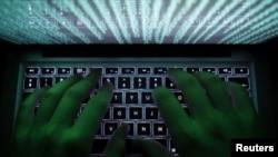 Los hackers pueden ser desafiados por gente que tiene su misma capacidad pero luchan por la seguridad y la protección.